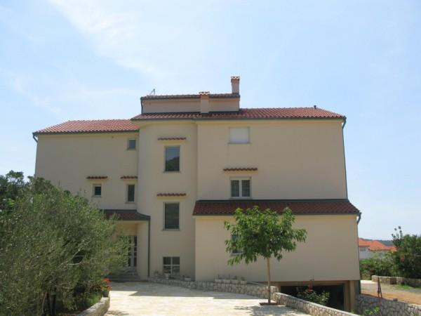 izet-causevic-apartments-back